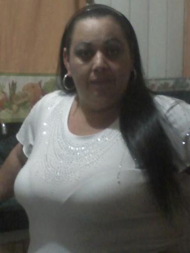 Mujer soltera con10551