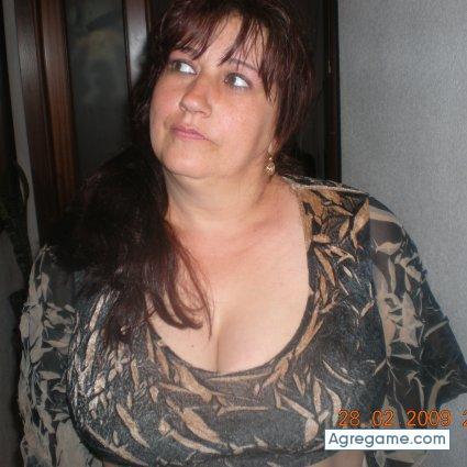 Mujer busca hombre contenido
